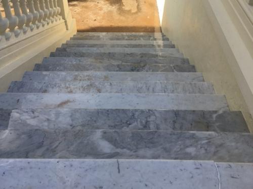 poncage marbre escalier